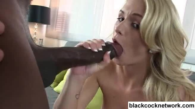 Incredible Emily Austin Has Her Pussy Ruined by Mandingo