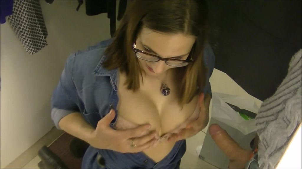 amateur porn Blowjob in a store video