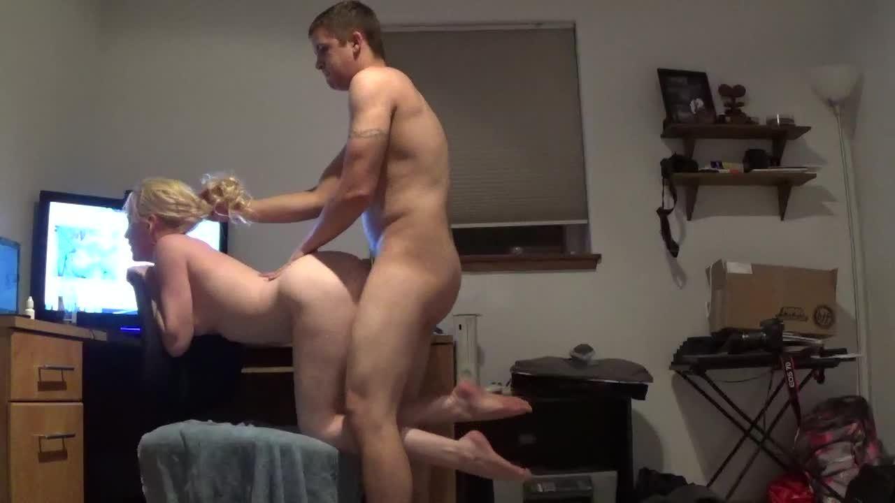 Skinny legs small pussy sex