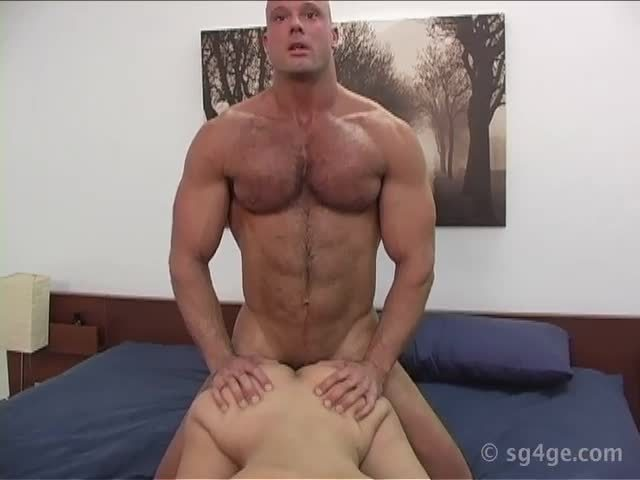 Muscle Guy Fucks Woman Joe Thunder