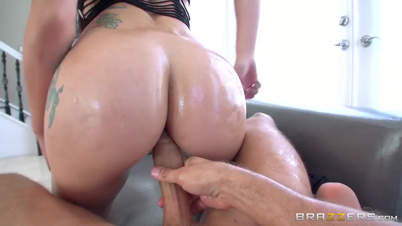 Muse Loves Taking It in the Ass